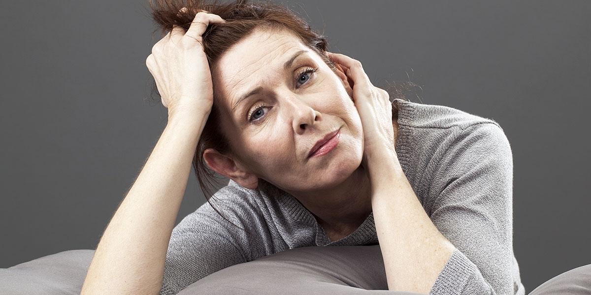 donna depressa in menopausa