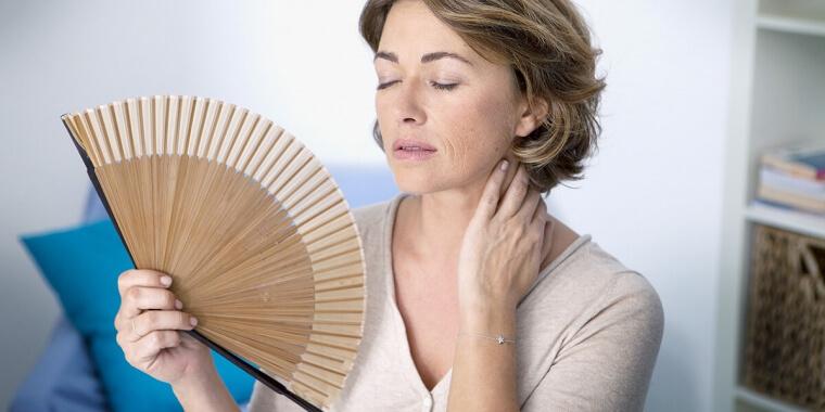 Vampate di calore in menopausa: ecco come conviverci