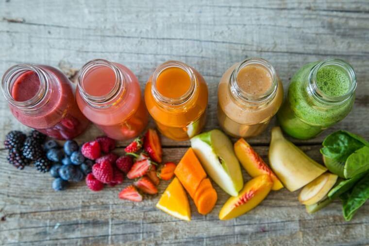 Idee per la merenda in menopausa: shake dolce o smoothie salato?