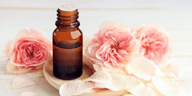 Aumentare il desiderio in menopausa? Prova gli oli afrodisiaci