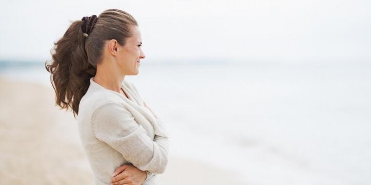 Pancia gonfia in menopausa: la dieta giusta per contrastarla